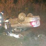 Двое в больнице: в Хынчештах перевернулся автомобиль (ФОТО)
