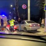 """В центре столицы BMW сбил девушку на """"зебре"""" (ВИДЕО)"""