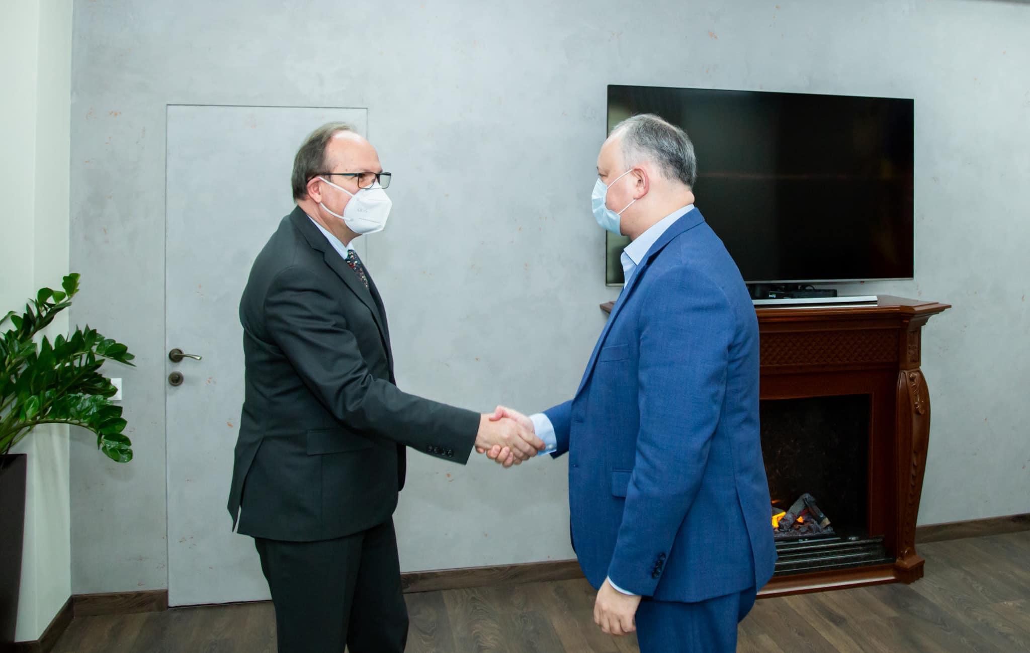 Лидер ПСРМ провёл беседу с послом Румынии (ФОТО, ВИДЕО)