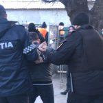 Инцидент в Комрате: пьяный мужчина угрожал карабинерам топором