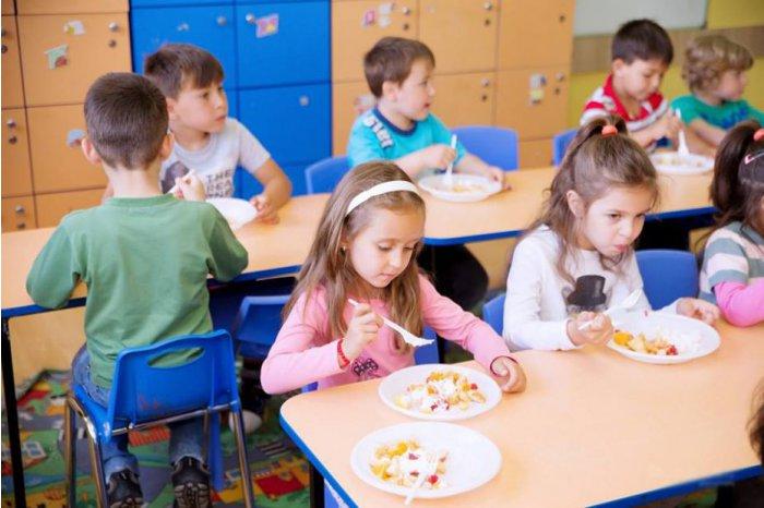В детских садах столицы действует единое меню