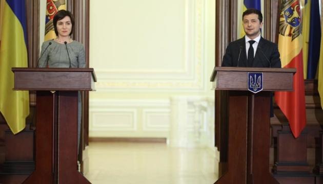 Журналистов не пустили на встречу Санду и Зеленского