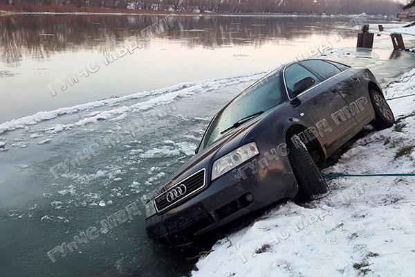 Зимний отдых у реки закончился спасательной операцией