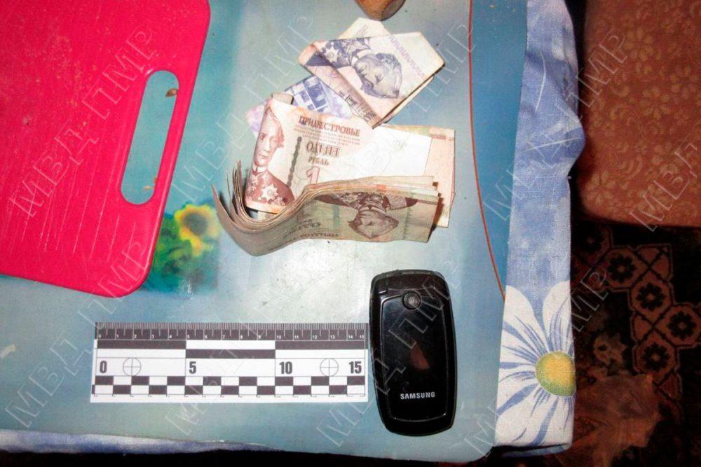 Сходил в гости: мужчина остался без телефона и денег