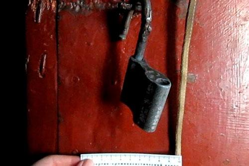 Наведались в чужой гараж: троицу воров задержали по горячим следам