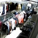 В Кишинёве банда подростков ограбила магазин одежды (ВИДЕО)