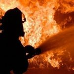 В девятиэтажке на Ботанике произошёл пожар. Несколько человек были эвакуированы