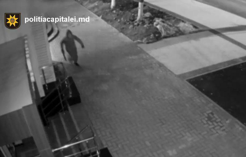 В столице двое приятелей ограбили парикмахерскую (ВИДЕО)