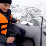 Примёрз ко льду: в Рышканах спасли лебедя (ВИДЕО)