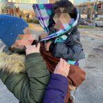 Полицейские ищут родителей найденного на улице малыша