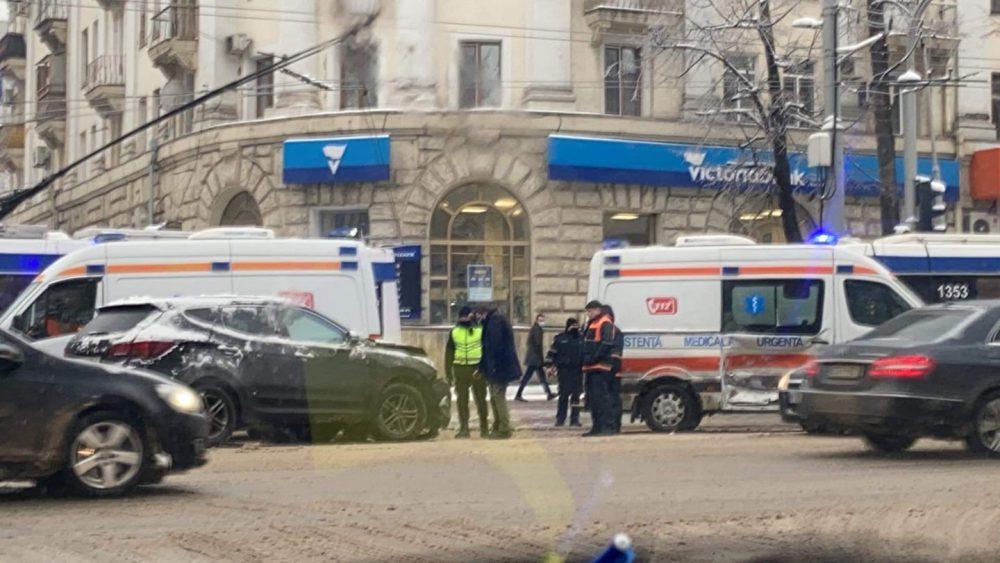 Машина скорой помощи попала в ДТП: есть пострадавшие