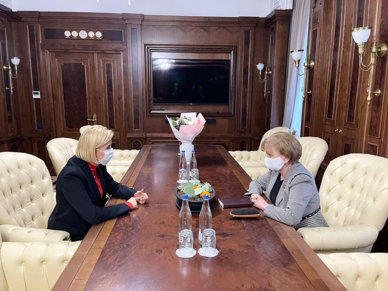 Зинаида Гречаный и Ирина Влах обсудили проведение в Гагаузии Международной конференции по строительству и развитию автономий