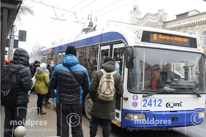 Общественный транспорт в Кишинёве будет ездить и по выходным