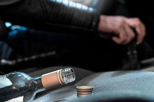 Горе-водителя накажут за повторную пьяную езду без прав