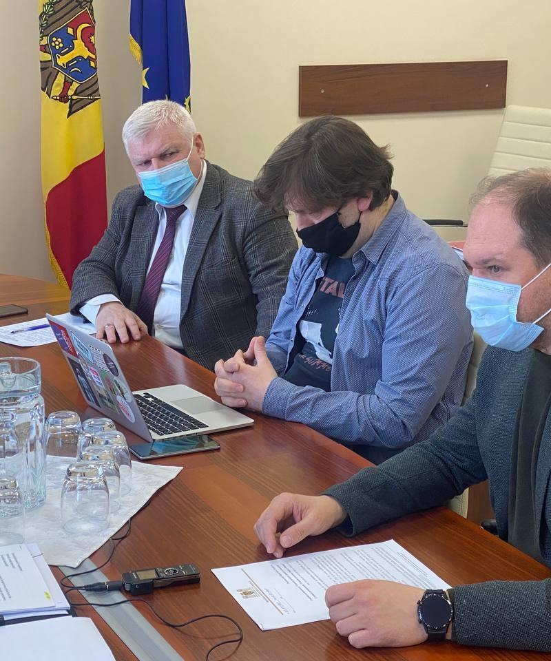 Ион Чебан обсудил с депутатами решение проблемы закупки автобусов для Кишинёва