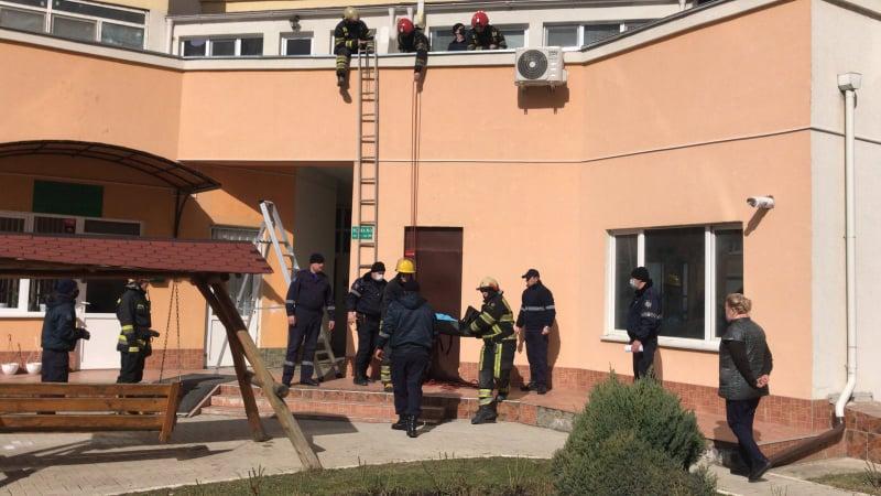 Трагедия в столице: в результате падения с девятого этажа скончался малыш
