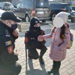 В Комрате патрульные помогли вернуться домой потерявшейся девочке