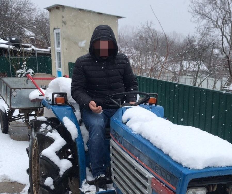 Угнали трактор у сельчанина: злоумышленников отыскала полиция