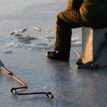 Прохожие спасли рыбака-пенсионера, который провалился под лёд