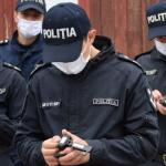 Обещали помочь с трудоустройством за взятку: в Бельцах задержаны двое полицейских