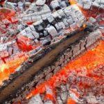 Пожар из-за уголька: пенсионер из Глодян получил сильные ожоги