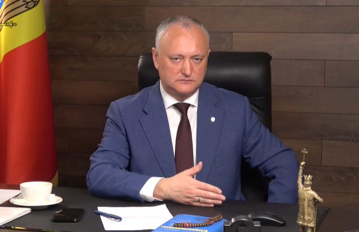 Додон – румынскому послу: Вы в нашей стране – гость. И если вас ещё не освистывают на улицах, то только потому, что молдаване – гостеприимный народ (ВИДЕО)