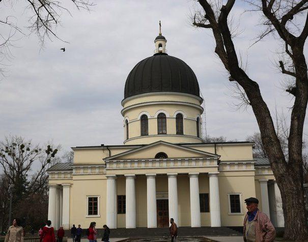 С понедельника православные верующие вступают в Страстную неделю