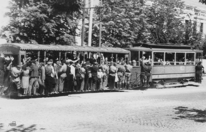 Трамвай на запасном пути