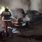 Автомобиль сгорел под окнами жилого дома в Комрате