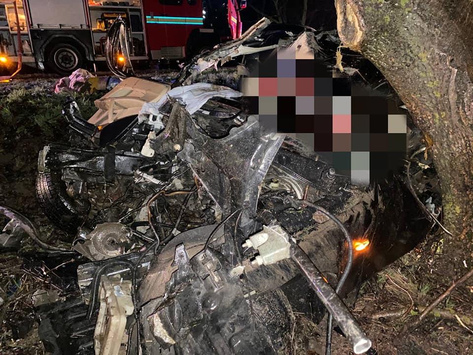 Погиб в собственный день рождения: 16-летний подросток и его приятельница скончались в жутком ДТП