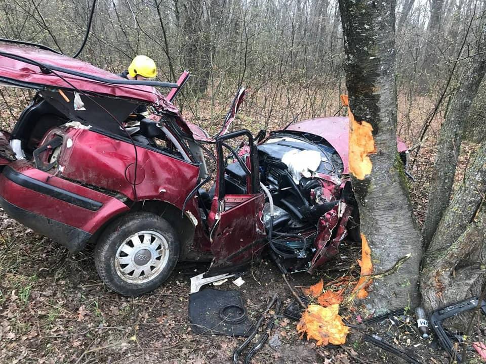 (ОБНОВЛЕНО) В страшной аварии в Окнице погиб водитель и его супруга
