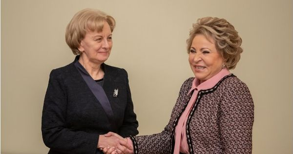 Зинаида Гречаный поздравила Валентину Матвиенко с днём рождения