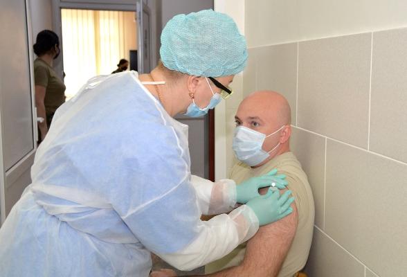 Около 400 военнослужащих Национальной армии были вакцинированы от COVID-19
