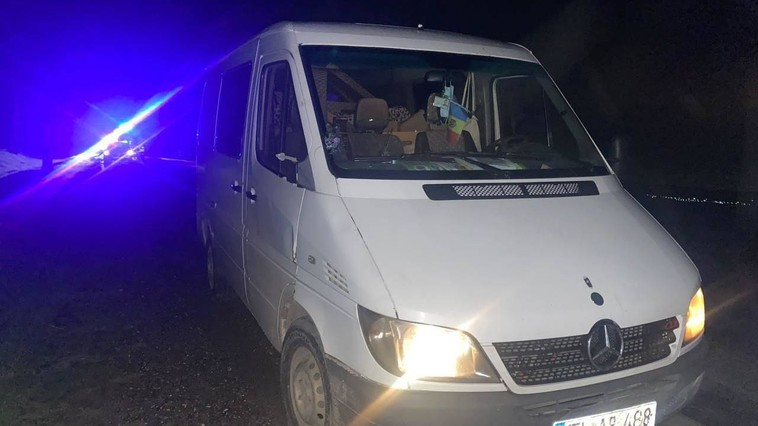 В Унгенах девушку на глазах родителей сбила машина