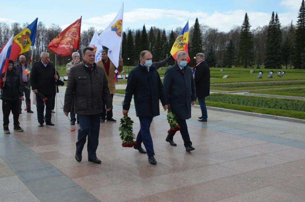 Ион Чебан почтил память жертв блокады Ленинграда: Здесь погибли и уроженцы Молдовы