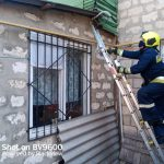 Заперлась в квартире: спасатели пришли на помощь пенсионерке