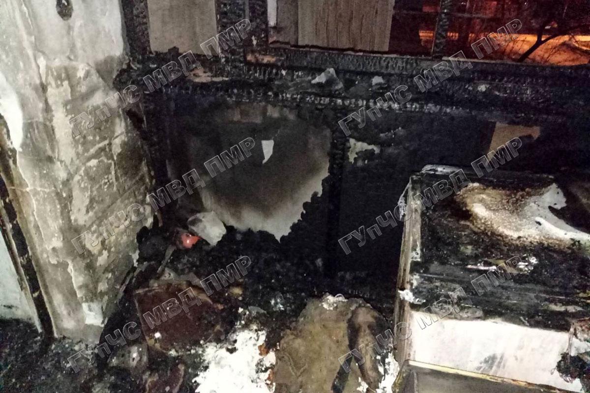 Крупный пожар в Рыбнице: загорелся балкон многоэтажки