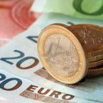 Курсы валют: евро снова устремился вверх