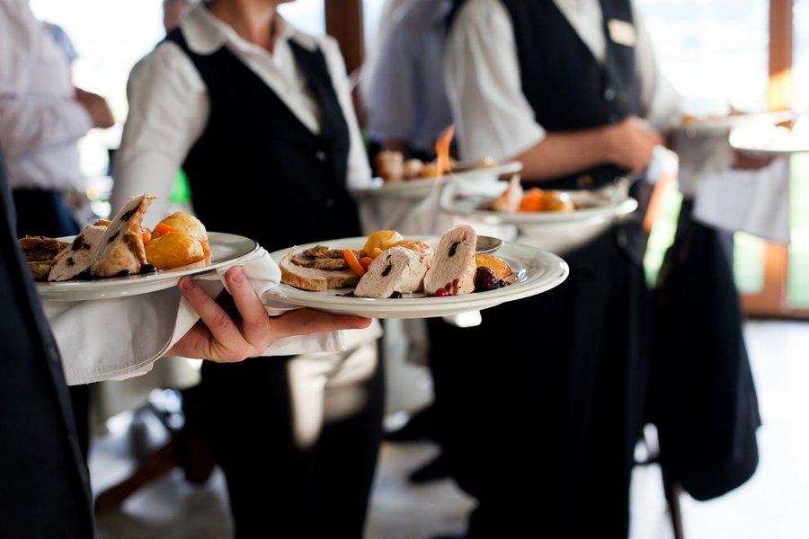 Ресторанам в Кишинёве разрешили работать до 23.00, а торговым центрам и непродовольственным магазинам – до 22.00