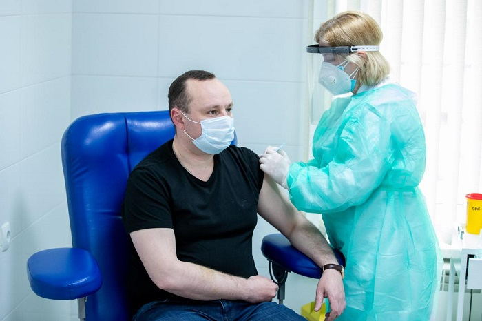 Депутатам-социалистам сделали прививку китайским препаратом Sinopharm