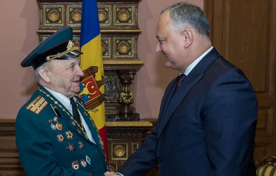 Игорь Додон поздравил ветерана ВОВ Павла Гладкова с юбилеем – сегодня ему исполнилось 100 лет