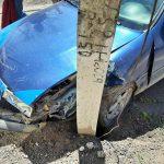 ДТП в Сороках: машина врезалась в столб, водитель в больнице (ФОТО)