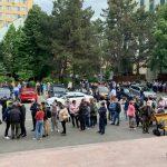 У Дворца Республики, где сегодня стартовал марафон вакцинации, образовались очереди