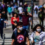 COVID-ситуация в мире: в Аргентине объявлен строгий локдаун из-за второй волны пандемии, а в Венгрии готовятся отменить масочный режим