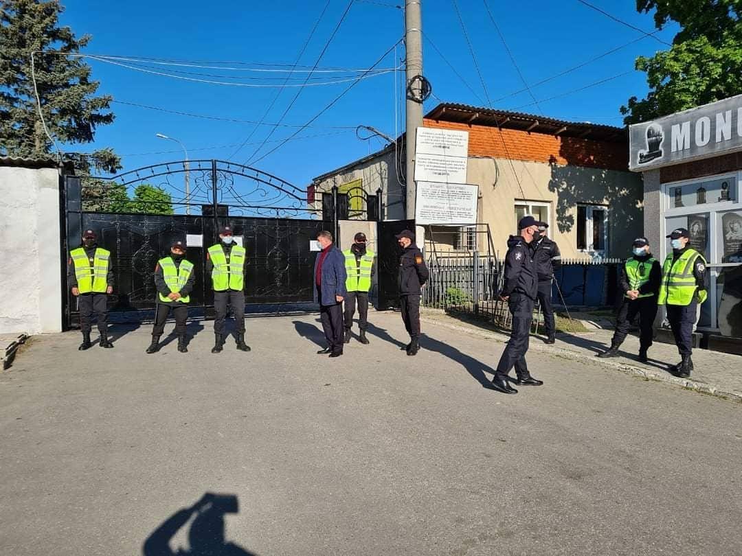 Чебан: За общественным порядком на кладбищах Кишинёва следит полиция