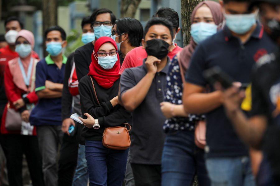 COVID-ситуация в мире: Малайзия почти на месяц ввела локдаун, в Бельгии с июня начнут действовать послабления карантина