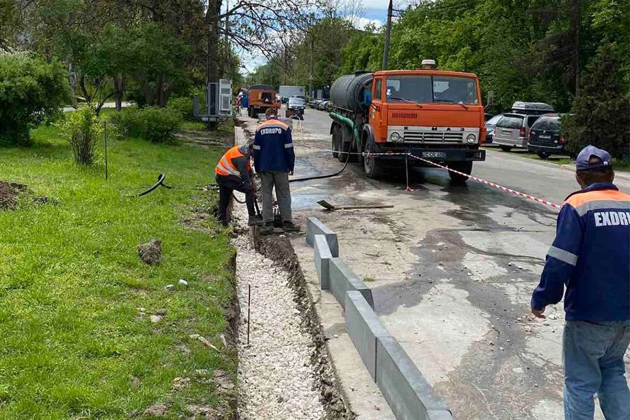 На Ботанике идёт ремонт улицы Теилор (ФОТО)