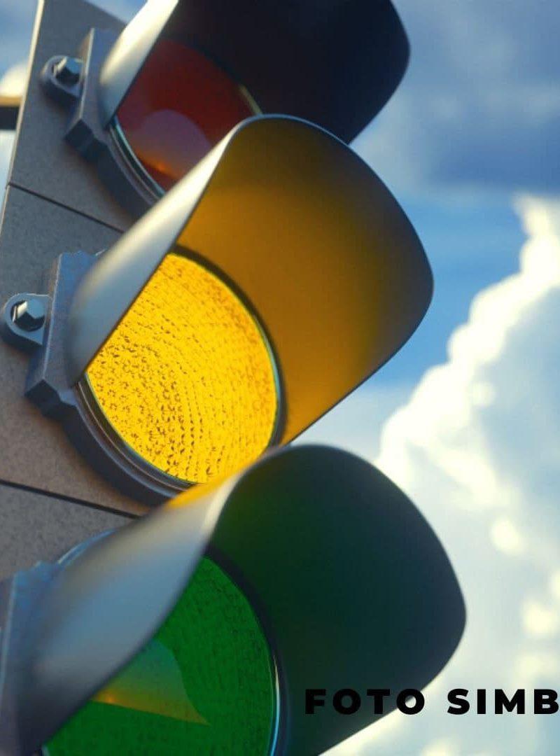 На оживлённом перекрёстке на Рышкановке не работает светофор