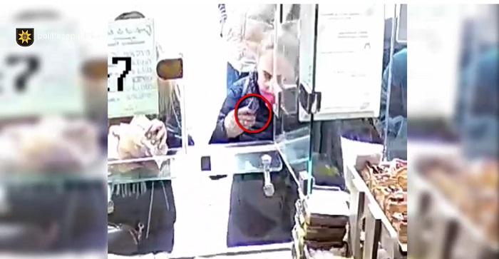 В Кишинёве разыскивают женщину, подозреваемую в краже кошелька (ВИДЕО)