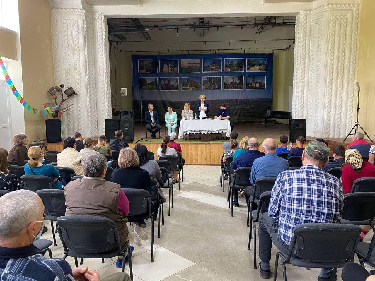 Зинаида Гречаный: Блок коммунистов и социалистов сможет продолжить решение проблем населённых пунктов страны